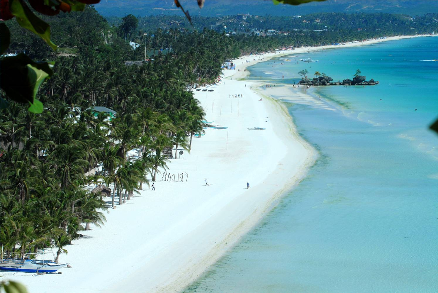 December Holiday Destinations – Boracay Island, The Philippines