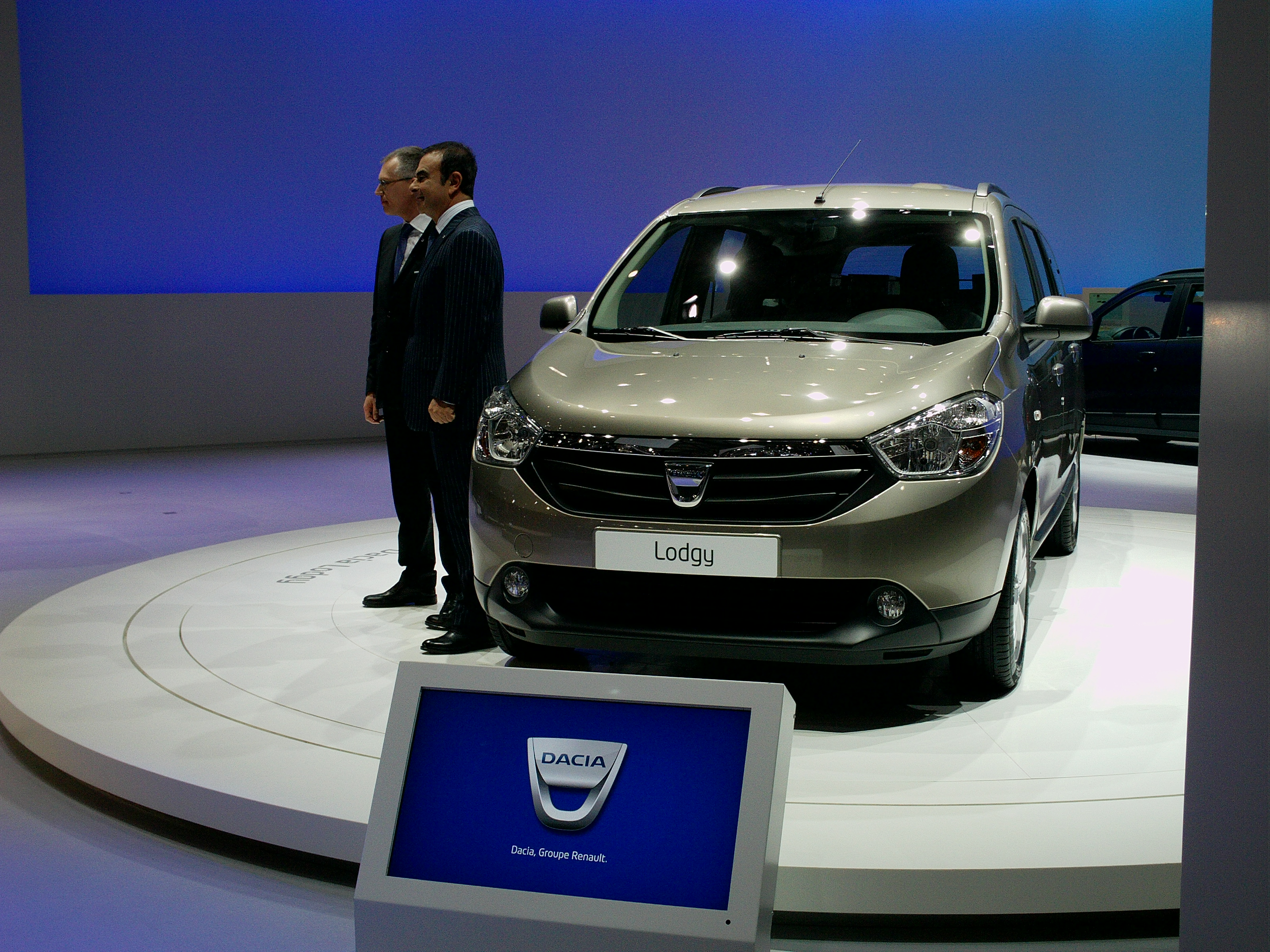 The Dacia Lodgy was presented at the Geneva Motor Show 2012