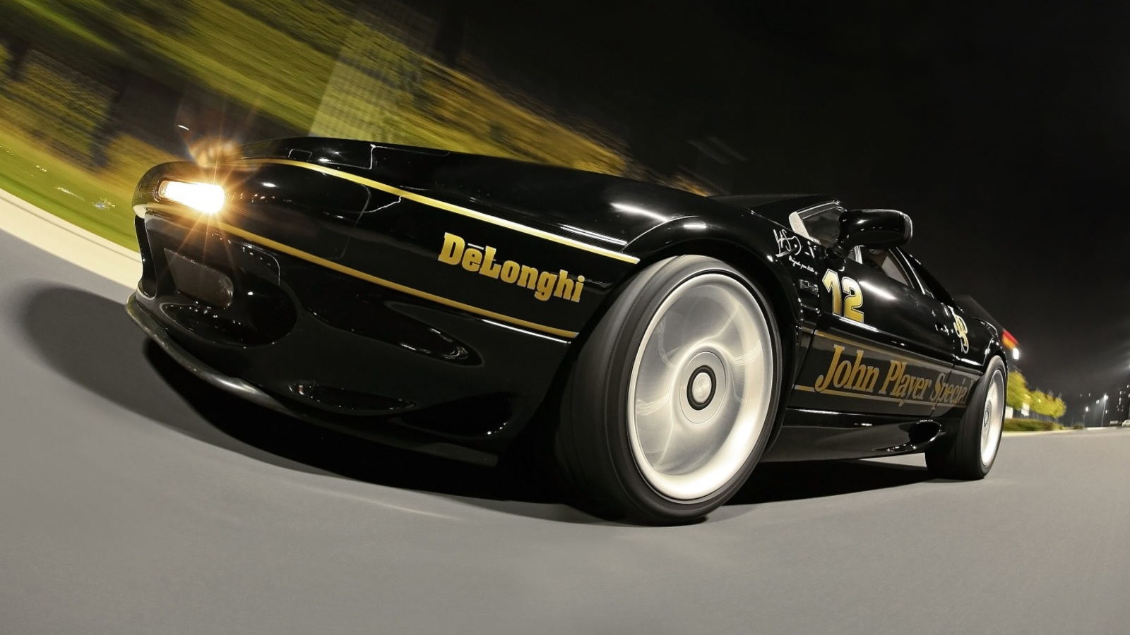 Cam Shaft celebrates Ayrton Senna with a premium vinyl wrap