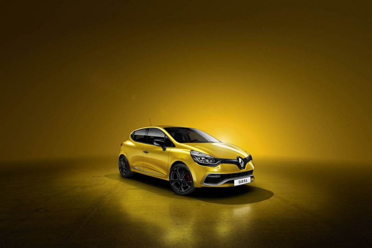 Renault Clio RS200 Turbo details have been unveiled