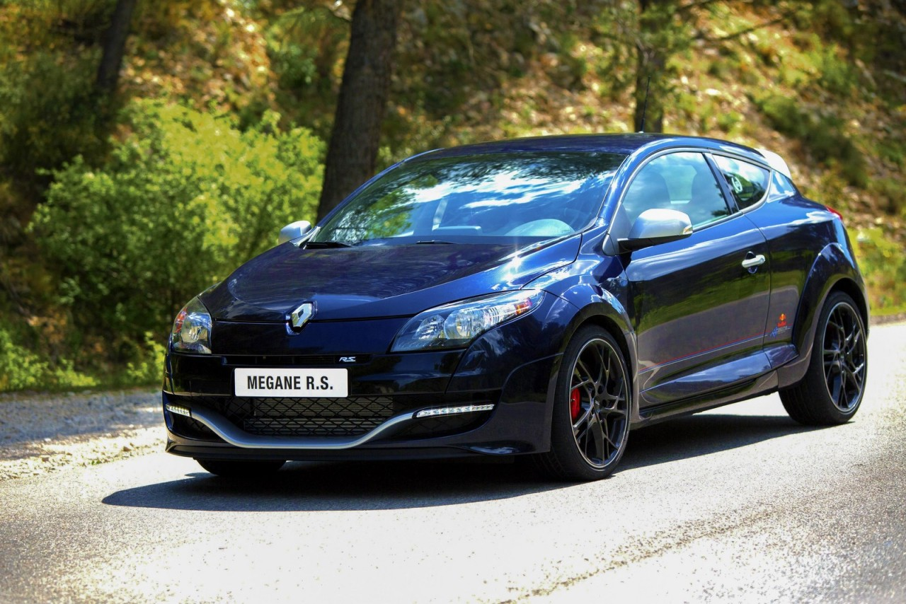 Renault reveals RS Red Bull Racing RB8 Limited Edition