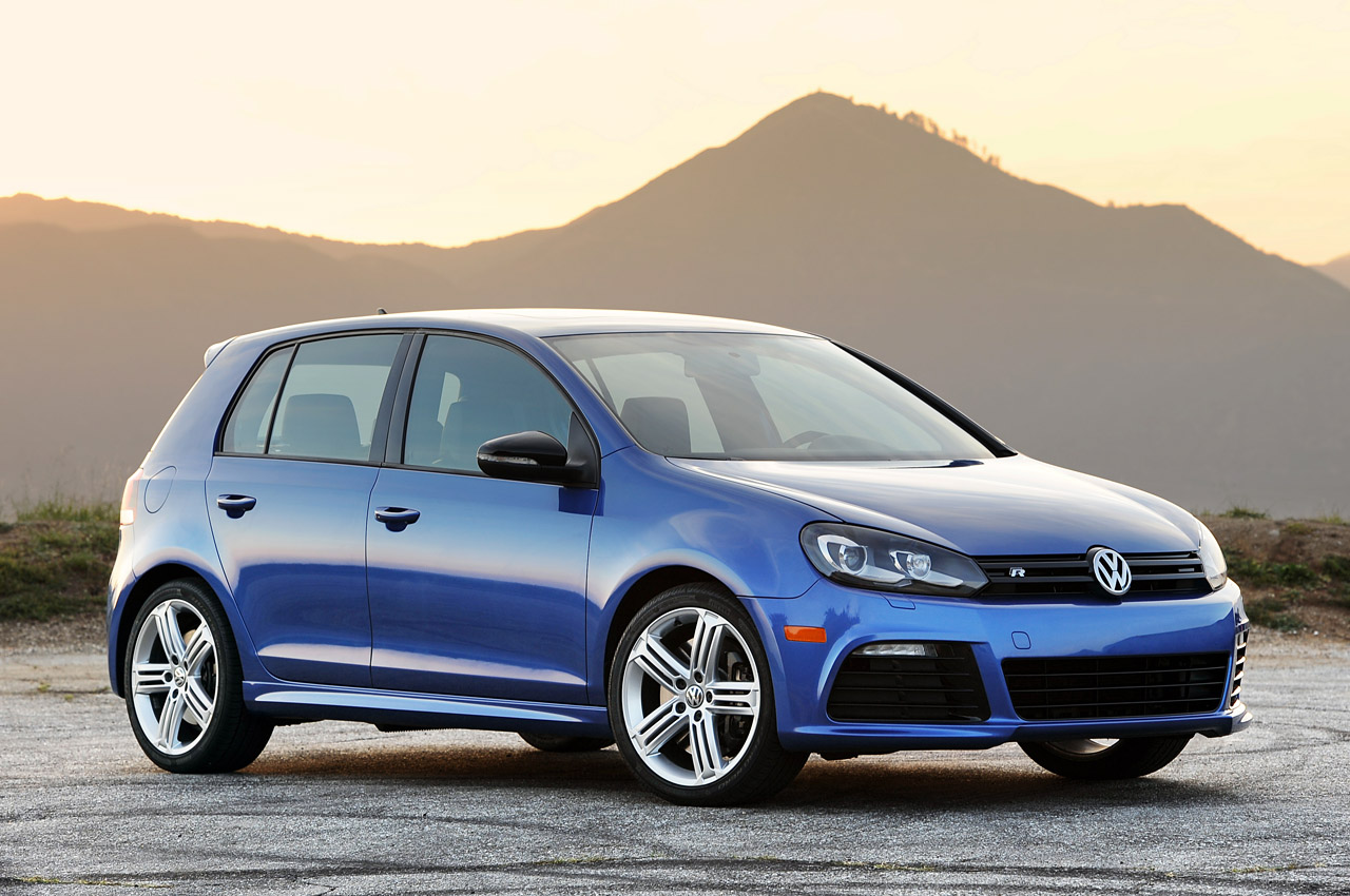 Volkswagen Golf R flagship revealed