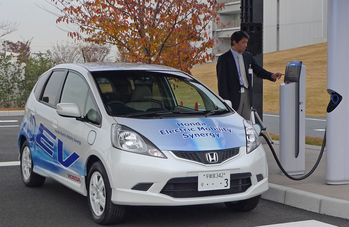 Japan's carmakers join forces to increase country's charging infrastructure