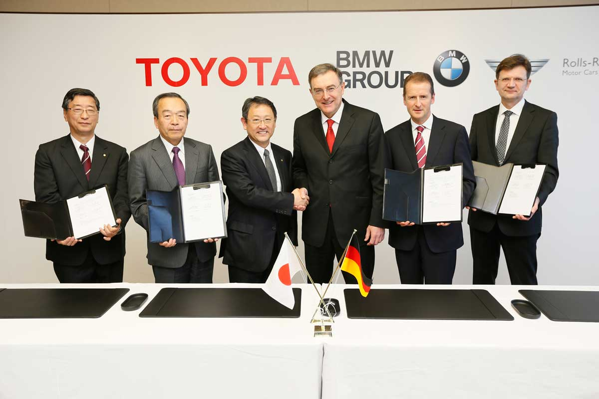BMW and Toyota working on a plug-in hybrid mid-engine Porsche 911 contender